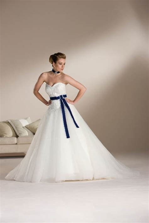 Strapless White Wedding Dresses by Strapless Wedding Dresses With Lace Fashion Innovation