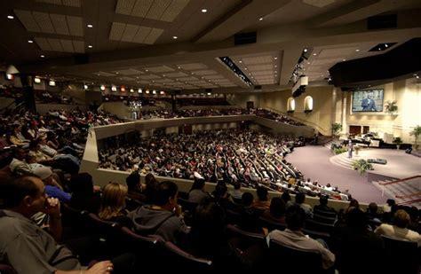 Ordinary United Pentecostal Church International #5: Church_evengelicals_worshippers_service_mass_Jubilee_Christian_San_Jose_Pentecostal_churches_pastor_members.jpg