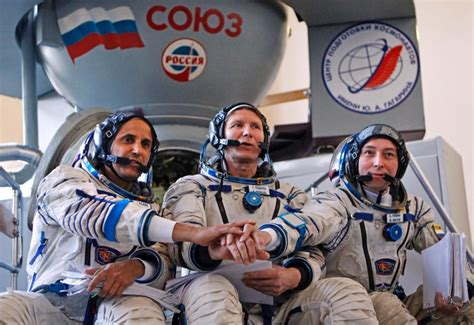 russian in space smokey becomes next space crew s mascot ny daily news