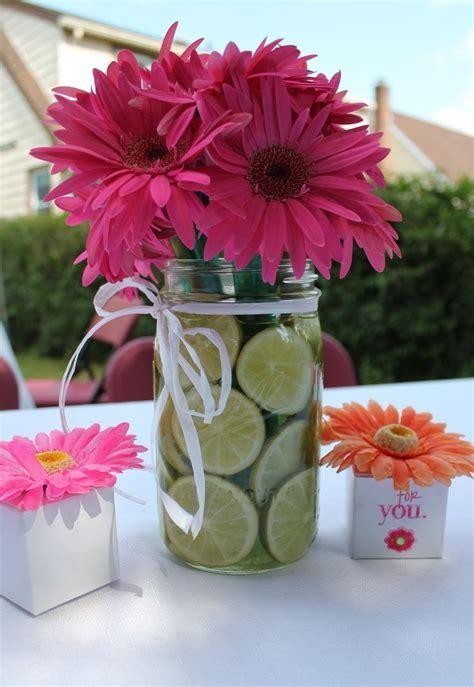 daisy arrangement ideas   Gerber Daisy Centerpiece