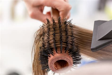 blow dry your hair what brush to use hairboutique best round brush for blow drying hair 9 best revealed