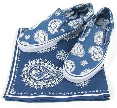 paisley pattern vans vans quot paisley bandanna quot classic slip on hypebeast