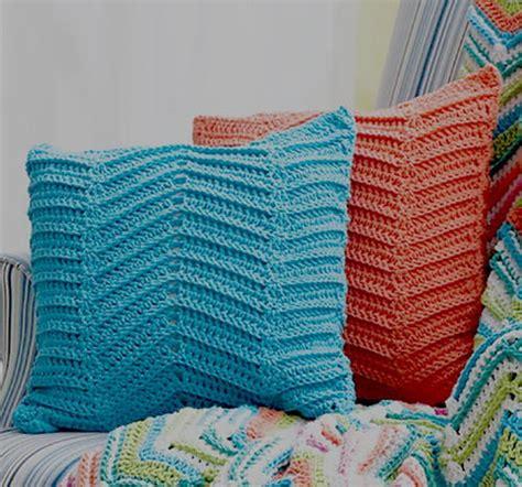 written zig zag crochet pattern zig zag pillows crochet pattern favecrafts com