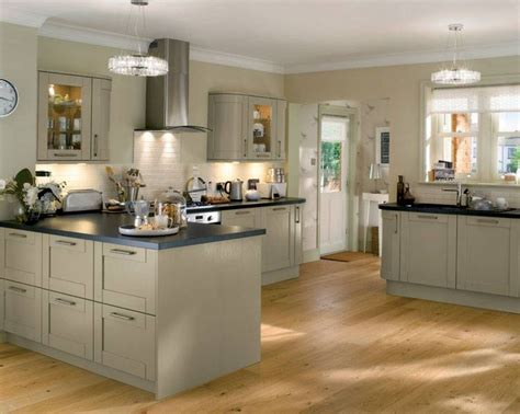 kitchen design howdens tewkesbury skye tewkesbury kitchen families kitchen