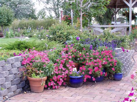 landscaping designs potted plants pdf