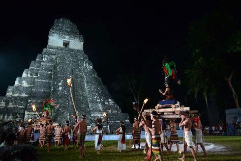 imagenes de los mayas guatemala el gran jaguar testigo de la ceremonia del 13 b aktun