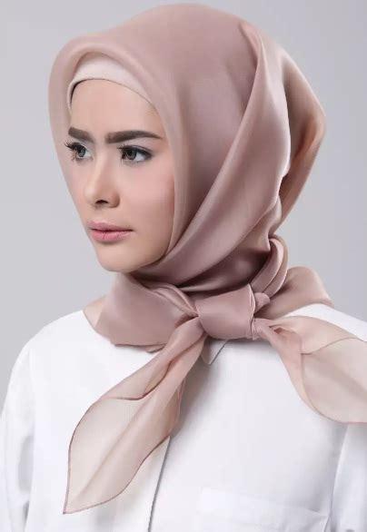 tutorial hijab organza wisuda intip gaya stylish hijab organza untuk inspirasi outfit