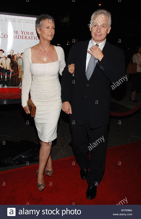 jamie lee curtis lives christopher guest and wife jamie lee curtis arriving at