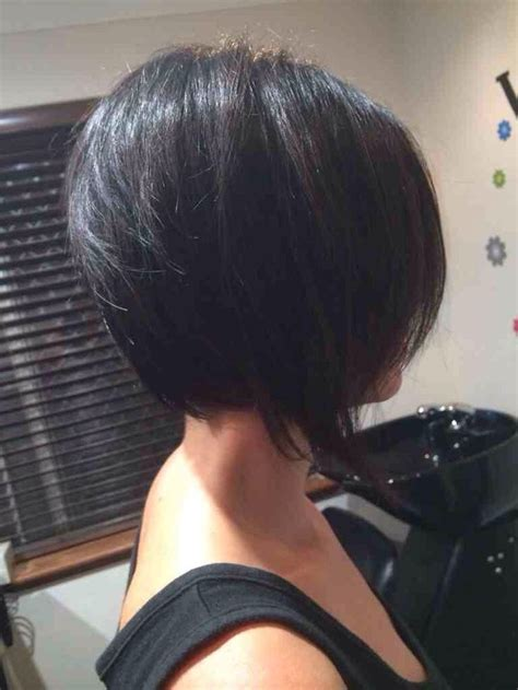 inverted bob for people in their 50s 57606d1393481759 inverted bob back view