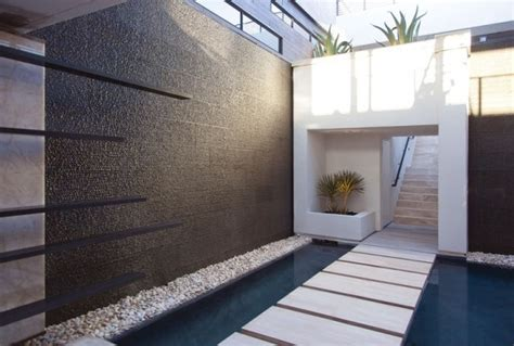 Modern Backsplash Kitchen 49 amazing outdoor water walls for your backyard digsdigs