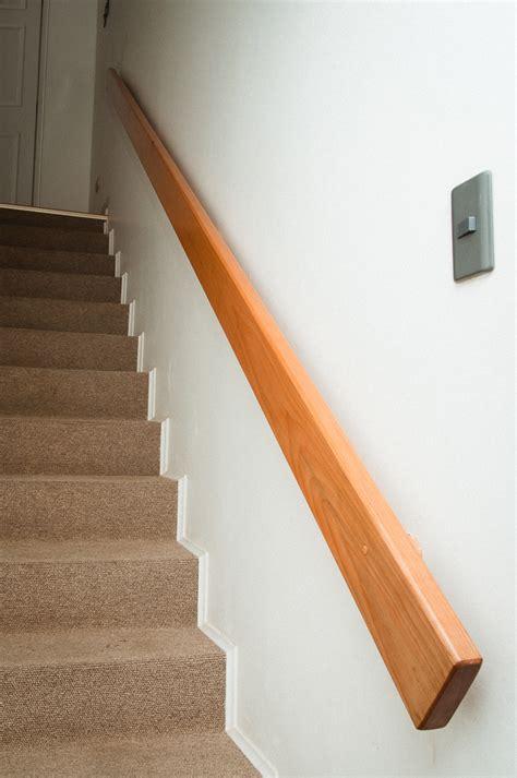 pasamanos de escaleras interiores galer 237 a pasamanos 171 escaleras de madera barandas y pasamanos