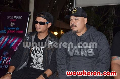film bagus netral foto eno dan bagus netral di press conference rilis album