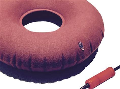 cuscino ciambella cuscino per le emorroidi dove comprarli vantaggi e svantaggi
