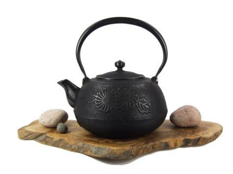 flower pattern kettles cast iron teapot kettle flower pattern black tetsubin