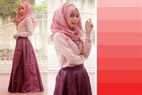 Baju Warna Merah Cocok Jilbab Warna Apa rahasia tips padu padan warna baju abi ummi