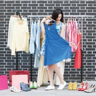 High Heels Kasual Wanita Selop Sandal Pesta Blackkelly Lgg 372 berapa baju yang diperlukan seorang wanita