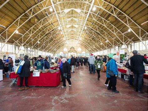 7 holiday shopping markets in canada wheels ca