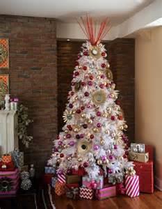 White pink christmas tree decor 0