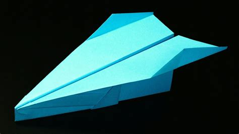How To Make A Paper Plane Fly Far - how to make a paper airplane easy paper airplanes that