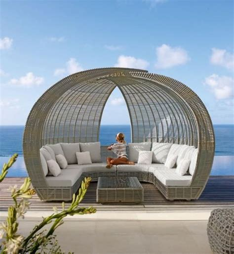 amazing outdoor day beds