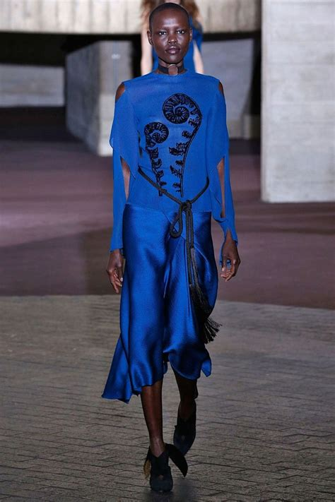 Roland Mouret To Return To Catwalk by 923 Best Lapis Lazuli Klein Blue Images On