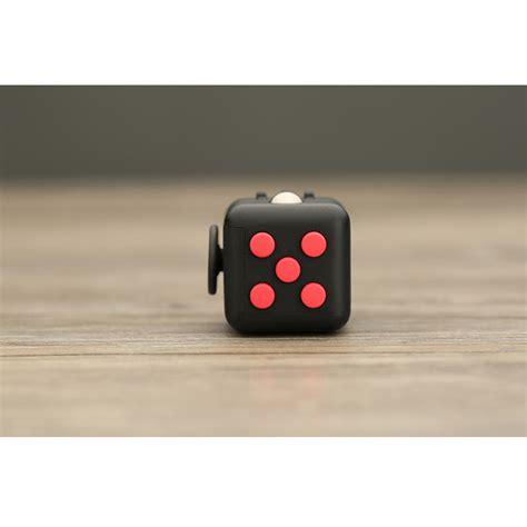 Mainan Pelepas Stress Fidget Cube Black Hitam Merah 1 mainan pelepas stress fidget cube black