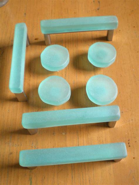 Kitchen Cabinet Knob Ideas 17 best images about kitchen knobs on pinterest drawer