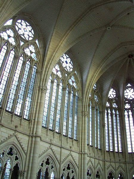 12 striking exles of clerestory windows in modern homes the clerestory of amiens cathedral is 12 metres tall