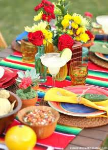 These tabletop and entertaining ideas for cinco de mayo tablescape