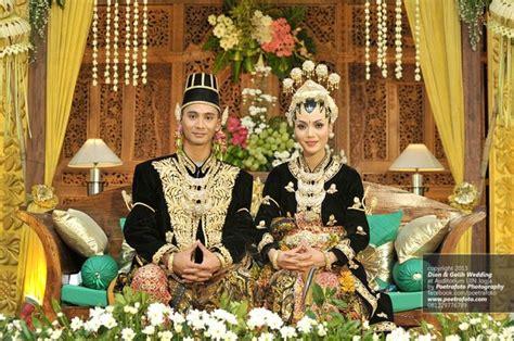 Bridal Dress Gaun Kebaya Wedding Pernikahan Prewed Foto 17 best images about traditional javanesse wedding on photos hair dos and javanese