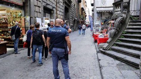 polizia di stato squadra volante accoltella l amico 171 gabriele 232 aggressivo e pericoloso