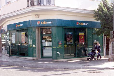 oficinas cajamar en madrid facua denuncia a cajamar por pedir a sus clientes que
