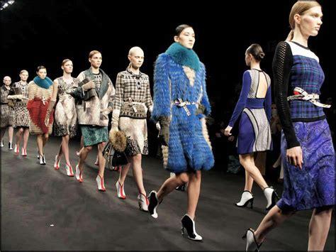 della moda calendario sfilate milan s fashion week ecco il calendario delle sfilate