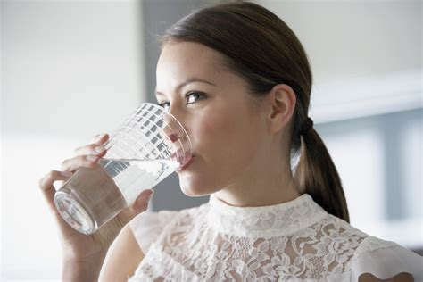 how to make drink water 13 sneaky ways to drink more water stylecaster