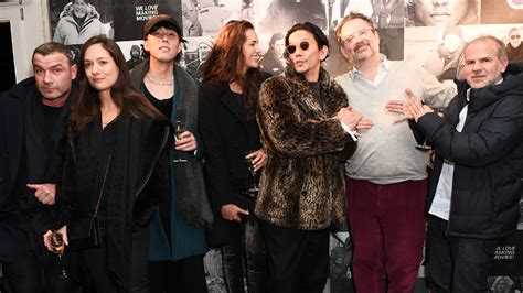 isle of dogs cast isle of dogs cast attend studio babelsberg in berlin variety
