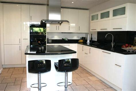 bespoke high gloss kitchen by bristol furniture