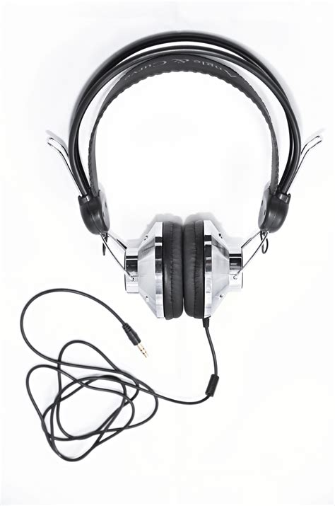 best headphones 50 pounds angle and curve