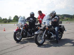 B F Hrerschein Motorrad Lenken by Praxis Training 125ccm Arb 214 Fahrsicherheitszentrum