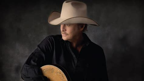 alan jackson fan alan jackson to be inducted into the country of