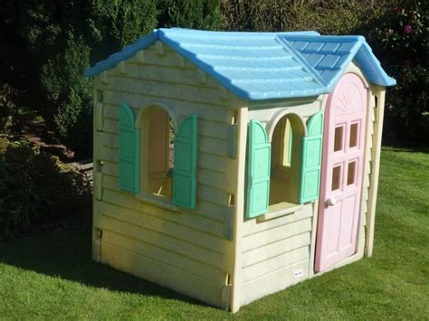 Little Tikes Wendy House Woke Up To This One Christmas Morning All Set Up In The