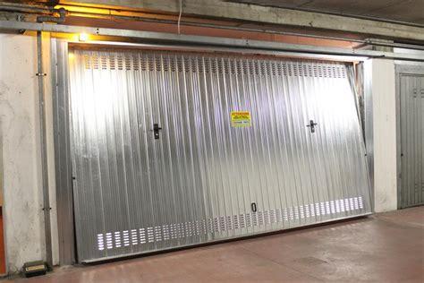 porta basculante garage porte basculanti per garage bertuzzi
