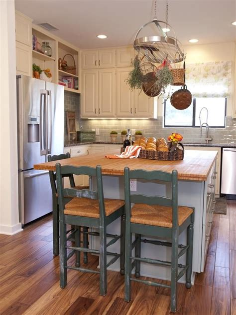 country kitchen islands with seating 17 best ideas about small country kitchens on diner kitchen small kitchen diner and