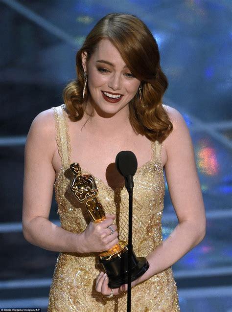 who is actress emma stone oscars disaster as la la land named best movie winner