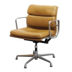 Eames Desk Chairs Charles And Ray Eames Soft Pad Desk Chair At 1stdibs