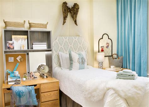 the images collection of decor dorm tours pinterest interior design ideas interior black and dorm decor this is brilliant the middle page
