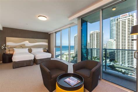 hton room accommodation surfers paradise