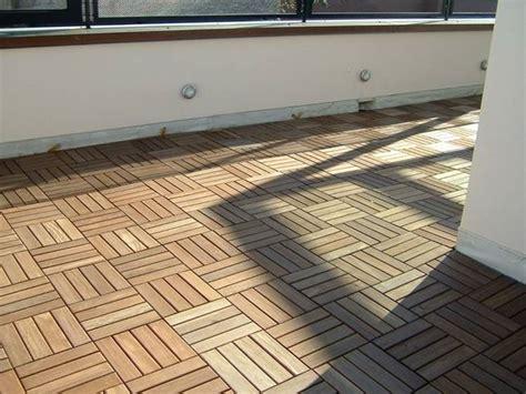pavimenti flottanti per esterni prezzi pavimenti galleggianti per terrazzi pavimento per esterni