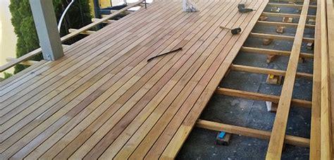 terrasse mit dach dach terrasse aus robinienholz in freital bei dresden