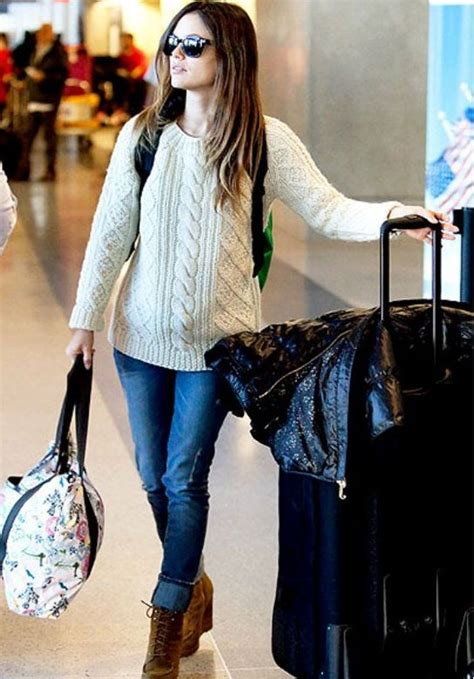 Simple Outfits For Traveling