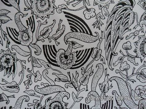 Batik Pria Katun Motif Burung 178 classical batik motif fauna in their environments peksi huk peksi burung bird peksi